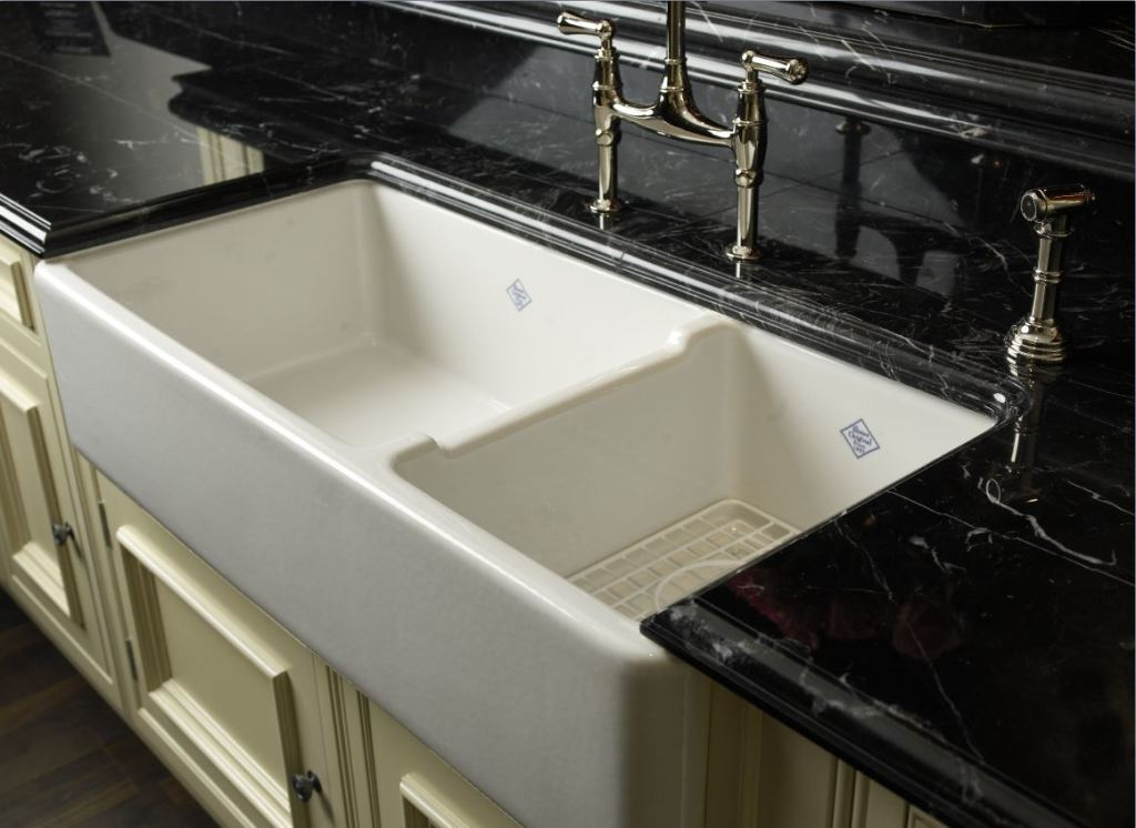 Shaws Farmhouse Apron Front Shaker Kitchen Sinks including Shaw ...