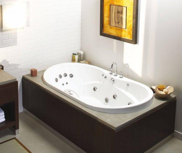 MAAX Living 6042 Oval Bathtub