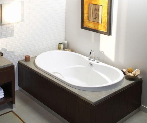 MAAX Living 6636 Oval Bathtub