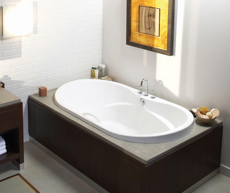 Maax Living 7242 Oval Bathtub