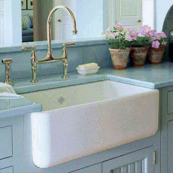 Whats Trending In Kitchen Sinks And Fixtures Pb Kitchen Design with regard to dimensions 900 X 900 - Kitchen Sink